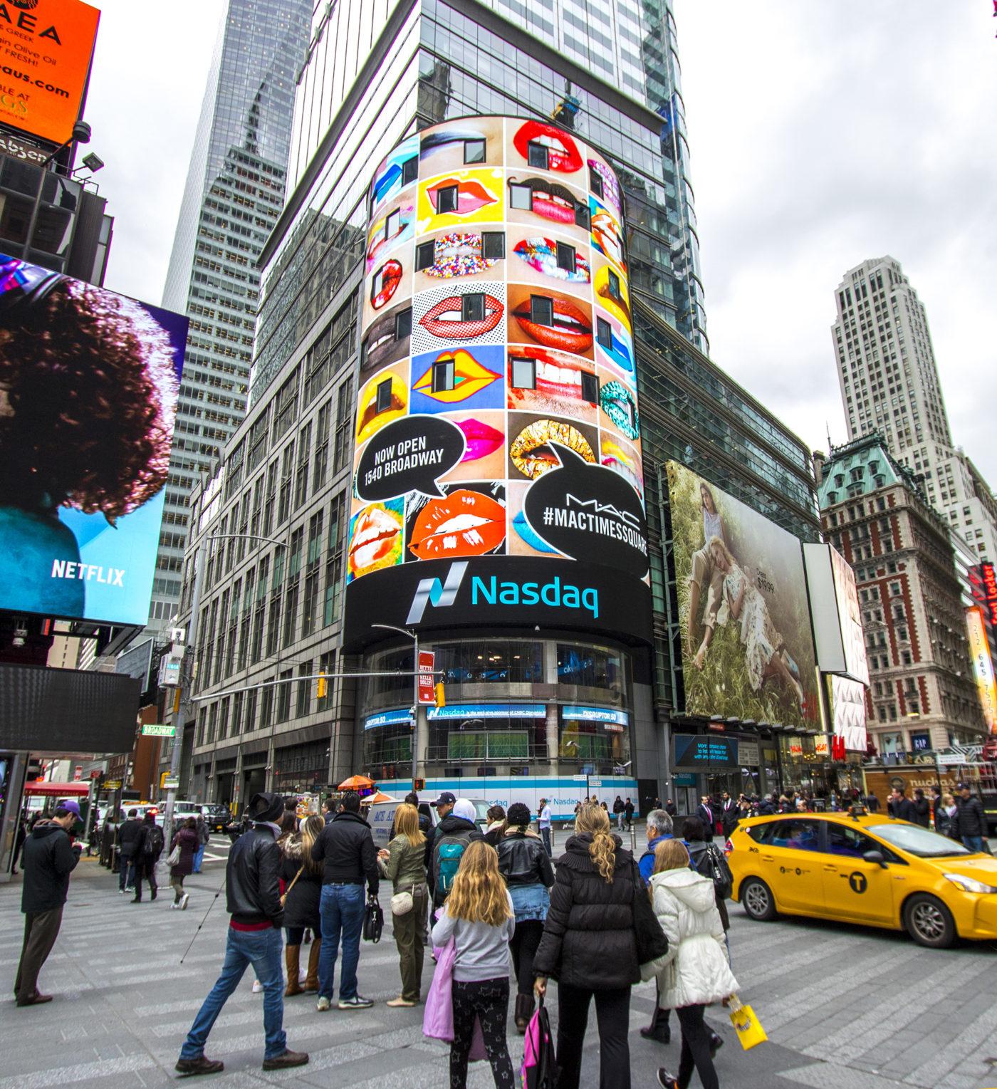 MAC Cosmetics - #MACTIMESQUARE - Nasdaq - Digital Domination (New York City, USA)