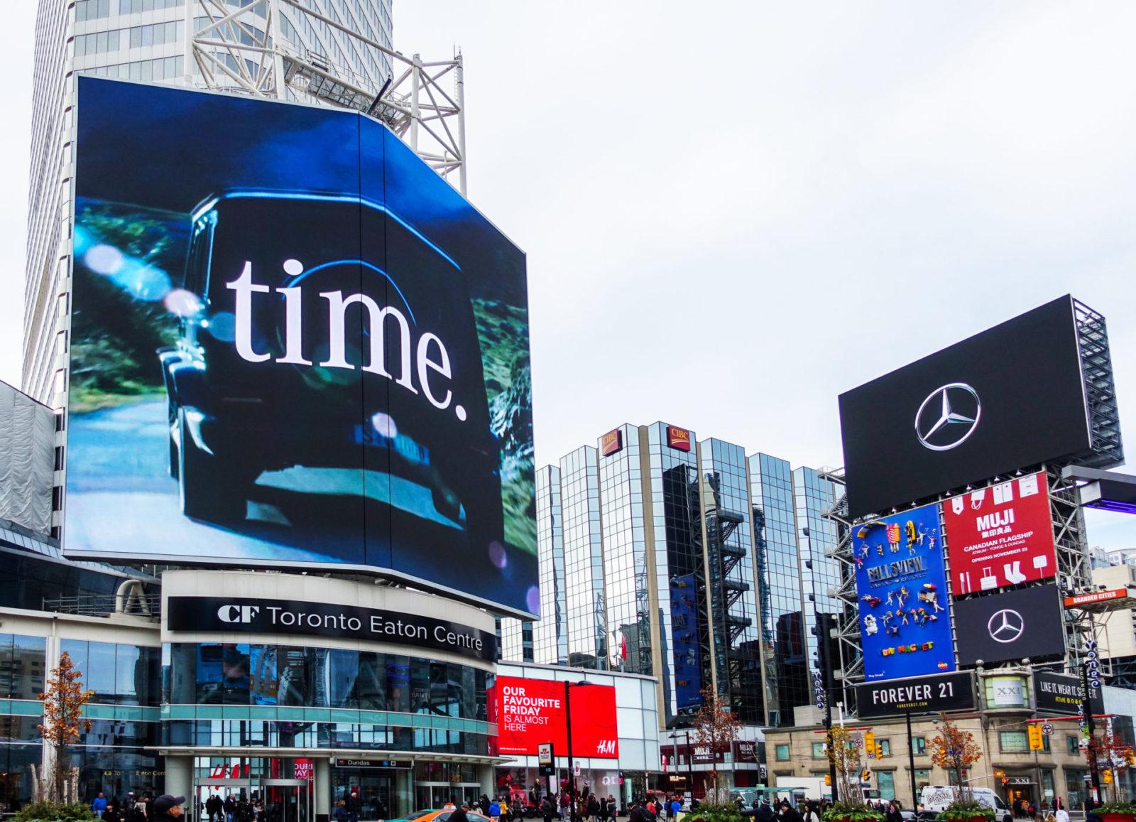 Mercedes - Yonge-Dundas Square - CF TEC Tower + AOB Media Tower (Toronto, Ontario)